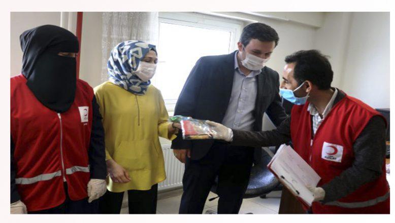 Türk Kızılay Ağrı Şubesi'nden sağlık çalışanlarına ikram paketi