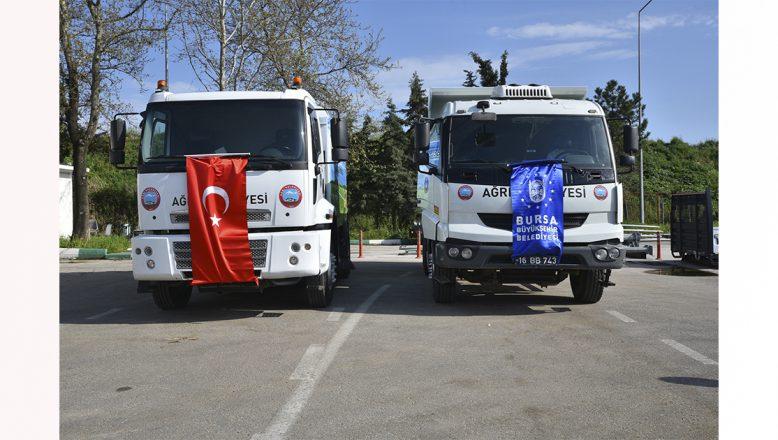 Ağrı'ya, Kardeş Şehir Bursa'dan Damperli Kamyon İle Yol Süpürme Aracı Hediye Edildi