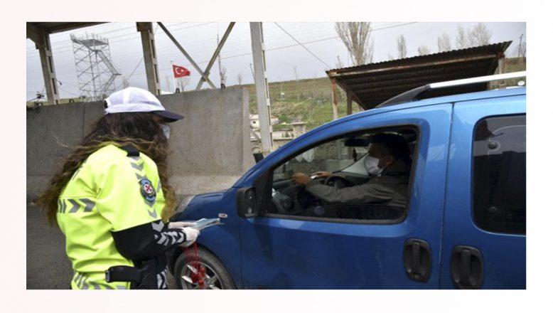 Ağrı'da polislerden vatandaşlara trafik kurallarına uymaları uyarısı geldi