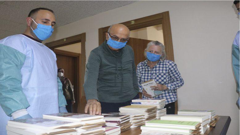 Bakan Kasapoğlu'nun Hediye Kitapları Ağrı'da Dağıtıldı