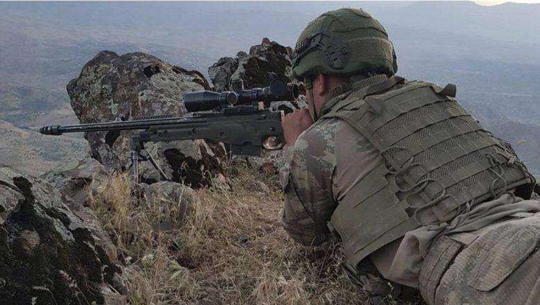 Ağrı'da 2 terörist silahları ile etkisiz hale getirildi