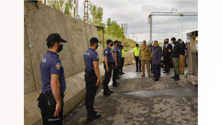 Ağrı Valisi Elban,Görevi Başındaki Güvenlik Güçlerinin Bayramını Kutladı