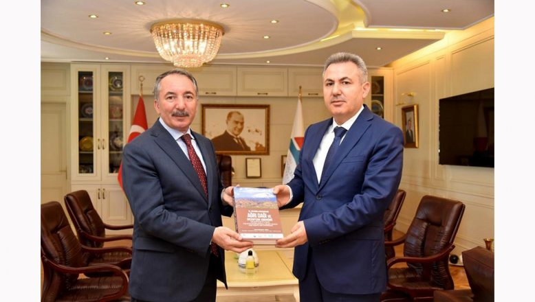 Ağrı Valisi Elban'dan, AİÇÜ Rektörü Karabulut'a Veda Ziyareti