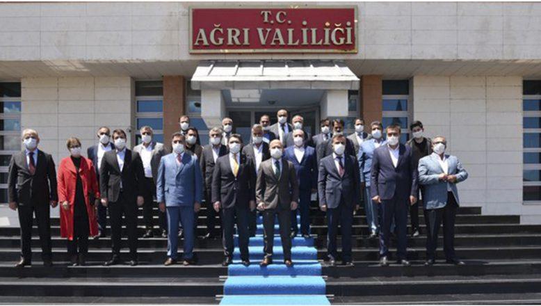 Vali Dr. Osman Varol'a Milletvekili Çelebi'den hayırlı olsun ziyareti