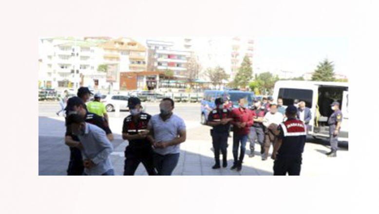 Göçmen kaçakçılığı  operasyonunda 21 zanlı yakalandı