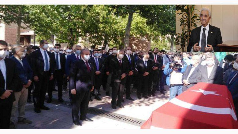 Ağrı'nın değerli siyasetçisi Ahmet Tekdal son yolculuğuna uğurlandı