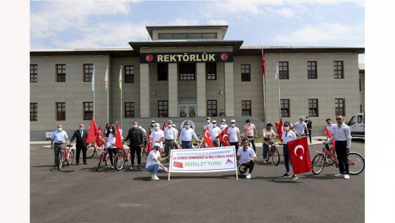 AİÇÜ'de 15 Temmuz Demokrasi ve Milli Birlik Günü Bisiklet Turu Düzenlendi