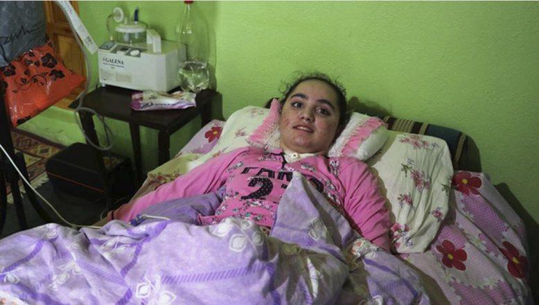 Ağrılı Beritan, iyileşip okuluna dönebilmek için yardım eli bekliyor