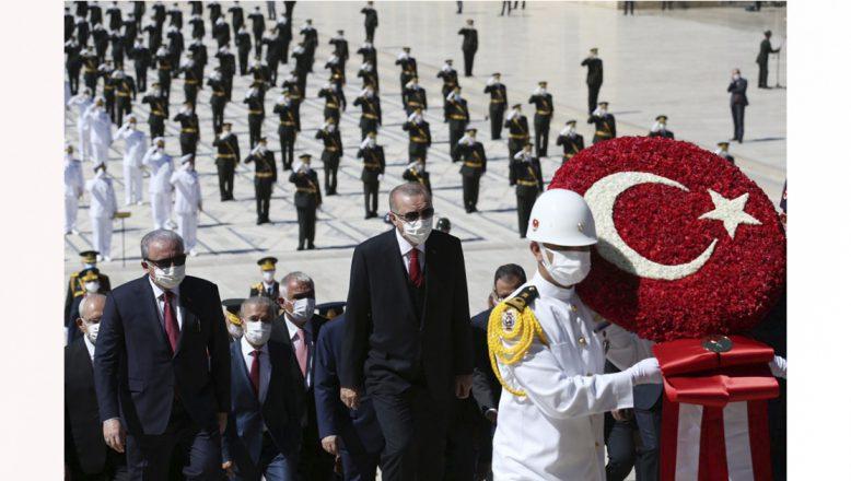 Cumhurbaşkanı Erdoğan:Türkiye Doğu Akdeniz'de tehdit diline boyun eğmeyecek!