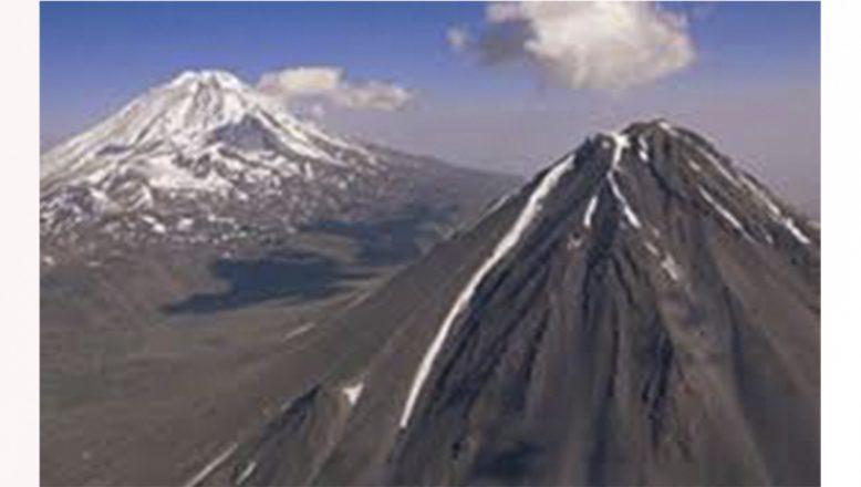 Balıkesirli profesyonel dağcı Ağrı Dağı'nın zirvesine tırmandı