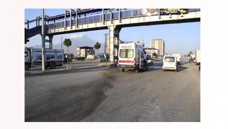 Ağrı'da trafik kazası 1'i çocuk 4 kişi yaralandı