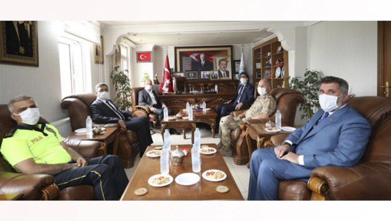 Vali Varol'dan Taşlıçay Belediyesi Ziyareti
