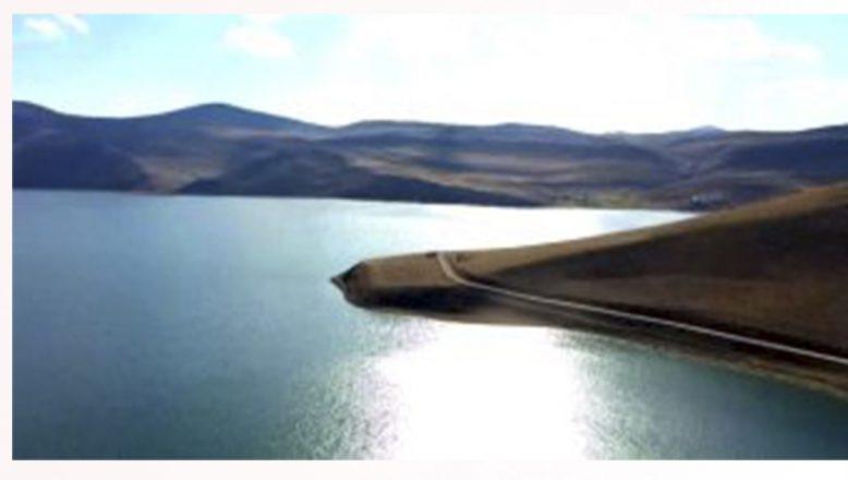 Doğal Akvaryuma Dönüşen Balık Gölü Turistleri Cezbediyor