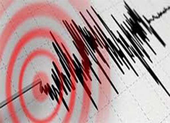 İzmir'de meydana gelen 7  büyüklüğünde deprem pek çok çevre illerde hissedildi