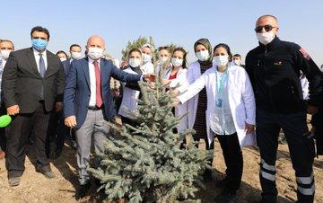 Ağrı'da Sağlık Kahramanları Adına Hatıra Ormanı Oluşturuldu