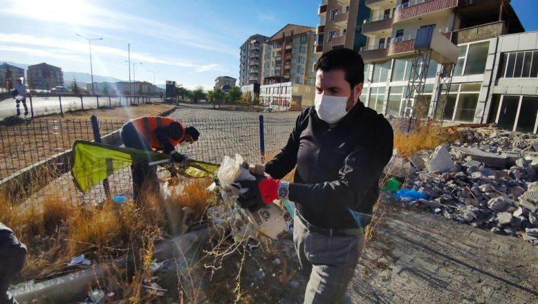 Başkan Savcı Sayan İşçilerle Çöp Toplayarak Farkındalık Oluşturdu