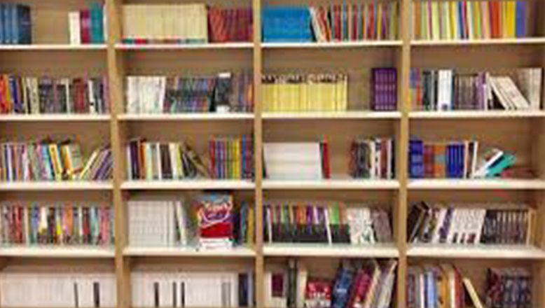 İzmir'li Gençten Köy Okullarına Kitap Yardımı