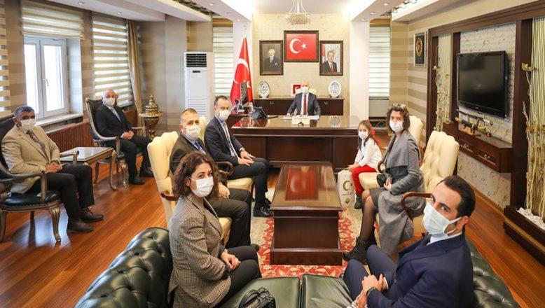 Mehmet Akif Ersoy'u Anma Haftası Münasebetiyle Vali Varol'a Ziyaret