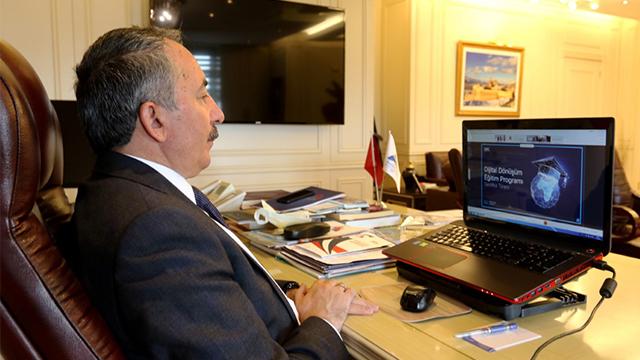 Rektör Karabulut,Yükseköğretimde Dijital Dönüşüm Eğitim Projesi Sertifika Törenine katıldı
