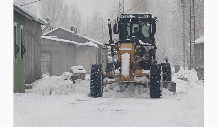 Ağrı Belediyesi Karla Mücadele Çalışmalarına Başladı