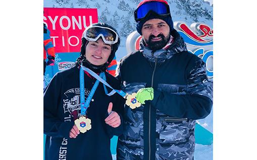 Ağrı'lı Sporcu Berfin Balkis  A grubu U-18 kategorisinde Türkiye şampiyonu oldu