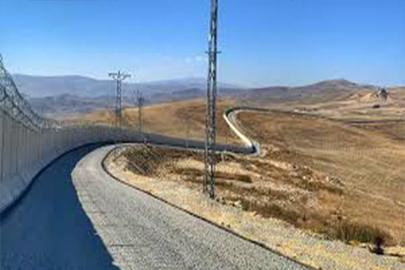Türkiye, Ağrı-İran sınırını 81 kilometrelik güvenlik duvarı tamamlandı