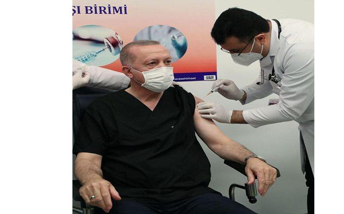 Cumhurbaşkanı Recep Tayyip Erdoğan Kovid-19 aşısını yaptırdı