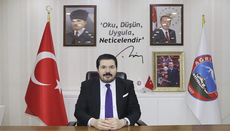 """Belediye Başkanı Savcı Sayan'ın """"10 Ocak Çalışan Gazeteciler Günü"""" Mesajı"""