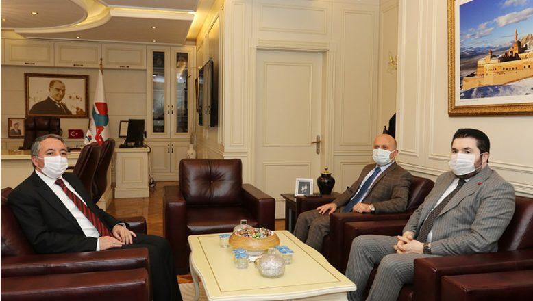 Vali VAROL, Ağrı Belediye Başkanı SAYAN, Rektör Prof. Dr. KARABULUT'u ziyaret etti