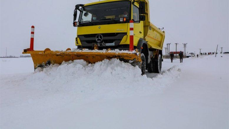 Ağrı'da 232 köy yolu ulaşıma kapandı