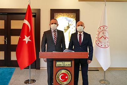 Ardahan Valisi Hüseyin Öner'den, Vali Varol'a Ziyaret