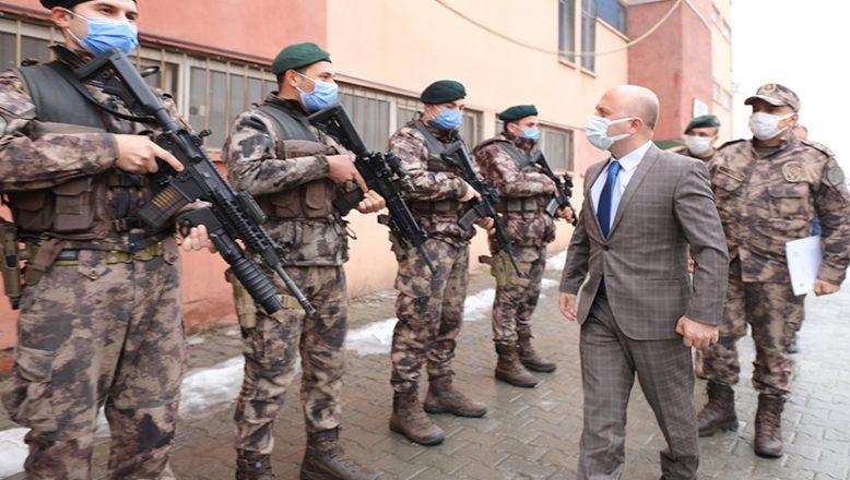 Vali Varol Doğubayazıt'ta Özel Harekat Polislerini Ziyaret Etti