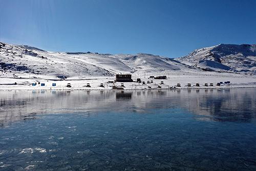 Yok Böyle Bir Güzellik, Buz Tutan Balık Gölü Görenleri Büyülüyor!