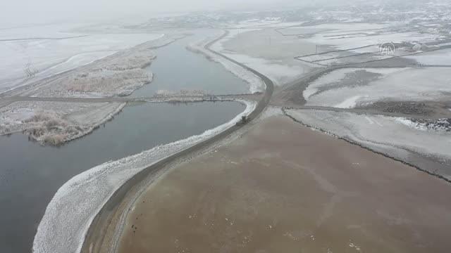 Ağrı Dağı Milli Parkı kış güzelliğiyle büyülüyor