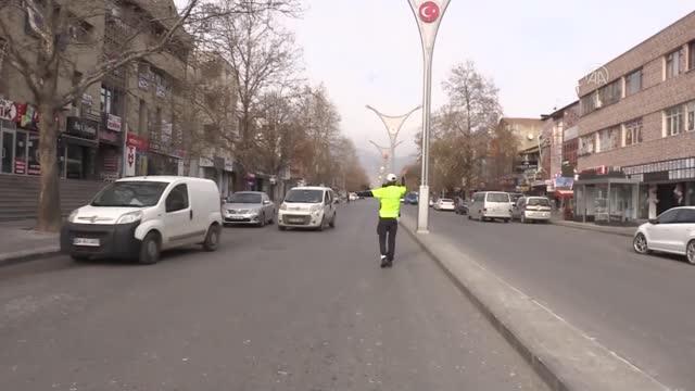 Doğu Anadolu'da Cadde ve Sokaklar Boş Kaldı