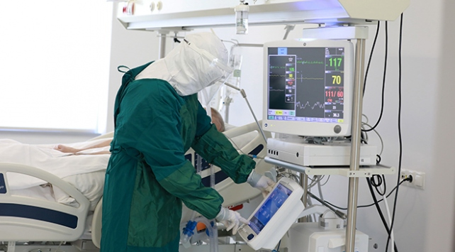 Türkiye'de son 24 saatte  koronavirüs'ten 94 kişi hayatını kaybetti