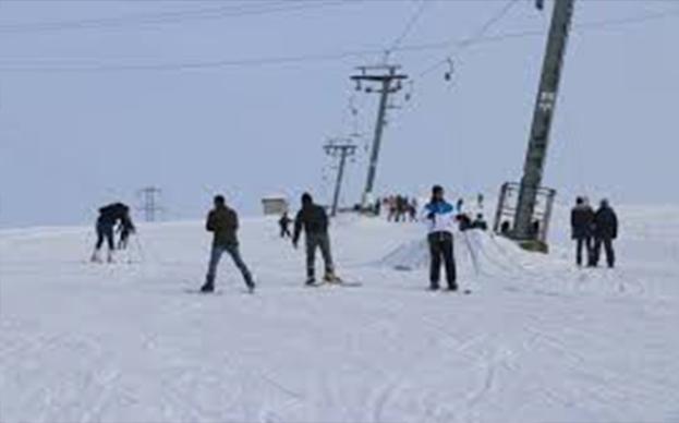 Küpkıran Kayak Merkezi hafta sonu kayakseverlerin akınına uğradı