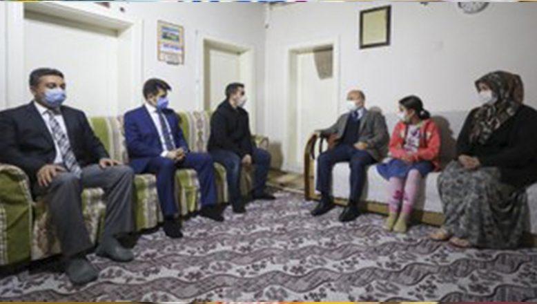 Ağrı Valisi Dr. Osman Varol  Şimşek Ailesini Ziyaret Etti