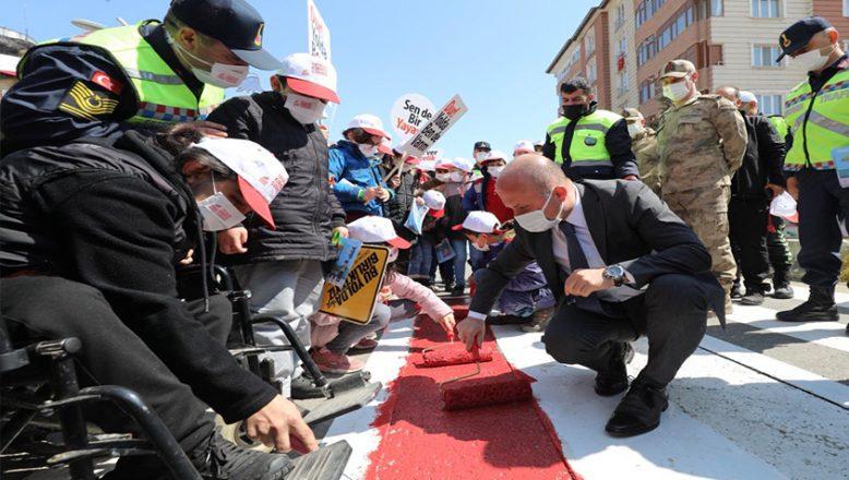 Vali Varol, Yayalar Kırmızı Çizgimiz Sloganıyla Kırmızı Çizgiyi Çekti