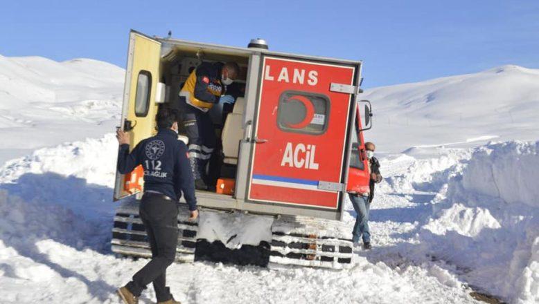 Ağrı'da Hastaya Zorlu Yolculuk, Paletli Ambulansla 3 Saat'te Hastaya Ulaşıldı
