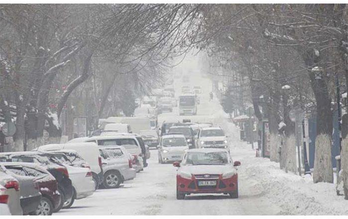 Ağrı ve çevre illerde dondurucu soğuklar yaşamı zorlaştırıyor