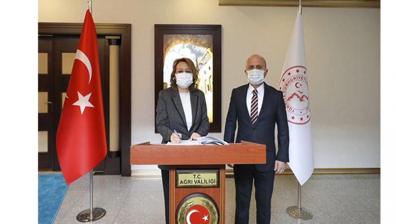 Kültür ve Turizm Bakan YardımcısıÖzgül ÖzkanYavuz  Ağrı'da