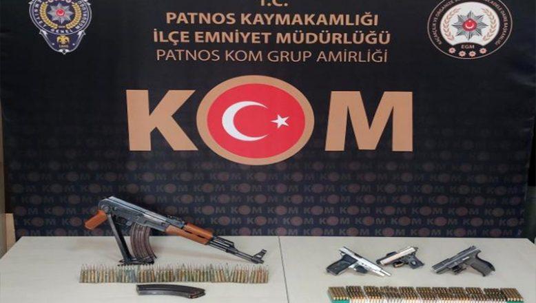 Ağrı'da Silah Kaçakçılığı Operasyonunda Çok Sayıda Silah Ele Geçirildi
