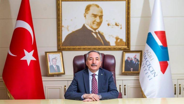 AİÇÜ Rektörü KARABULUT'un Ağrı'nın Kurtuluş Bayramı Kutlama Mesajı