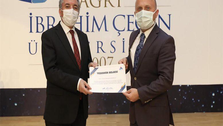 Vali Varol, Akademik Teşvik ve Cübbe Giyme Törenine Katıldı