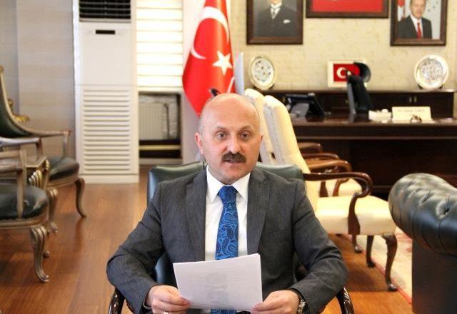 Ağrı Valisi Dr. Osman Varol, çocuklar için masal okudu