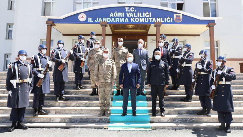 Ağrı Valisi Dr. Osman Varol  İl Jandarma Komutanlığını Ziyaret Etti