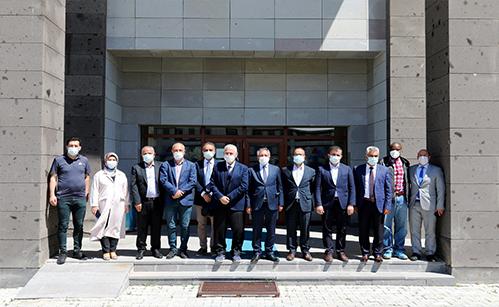 AİÇÜ Rektörü Prof. Dr.KARABULUT Ataması Yapılan Dekanlara Hayırlı Olsun Ziyaretinde Bulundu