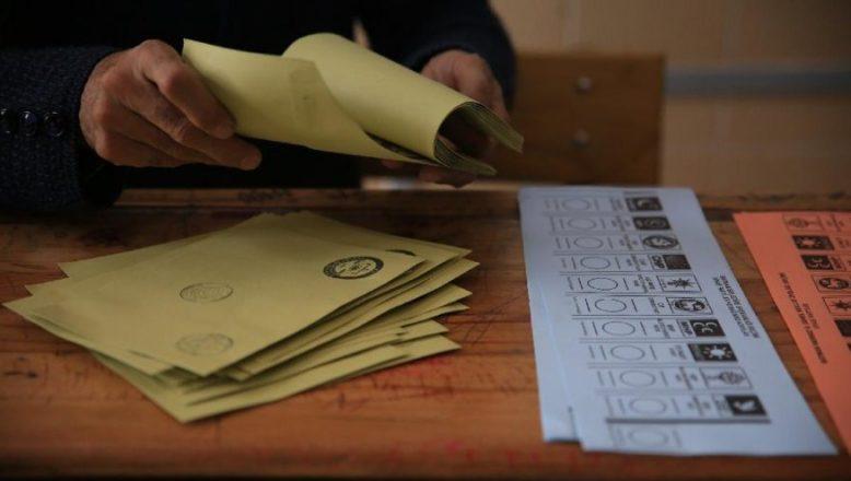 AK Parti'nin sunduğu taslağa göre; seçim barajı yüzde 5'e düşecek