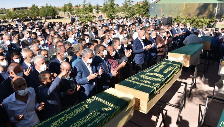 Konya'da katliamında hayatını kaybeden 7 kişi son yolculuğuna uğurlandı